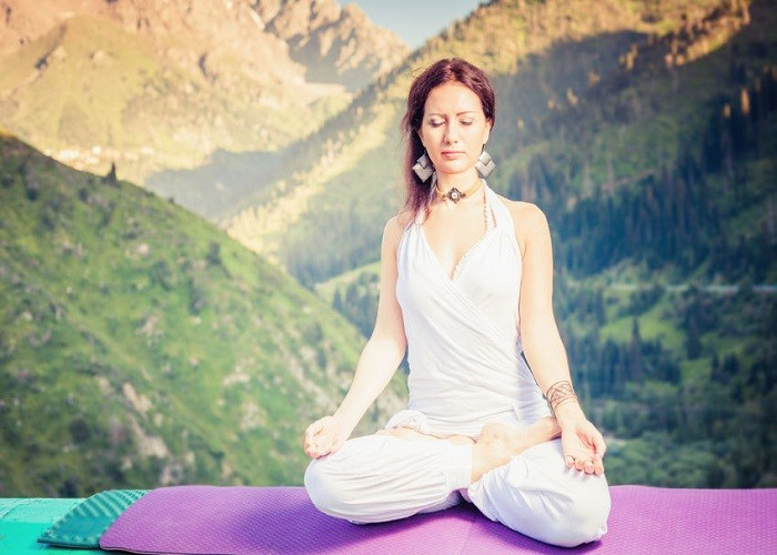 how to make meditation a daily habit and stick to it