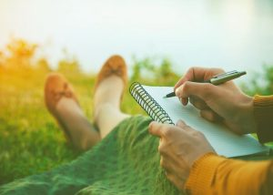 how-to-start-a-manifesting-journal